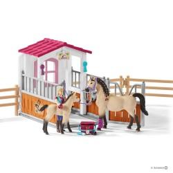 Set BOX CAVALLI ARABI + ADDETTA CURA ANIMALI kit gioco SCHLEICH 42369 miniature in resina HORSE CLUB età 5+